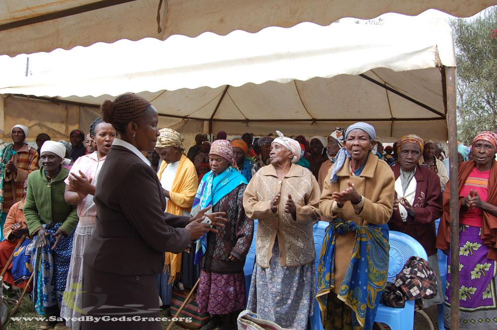 Comfort-Self-Help-Group-grandmothers-food-program-(2)