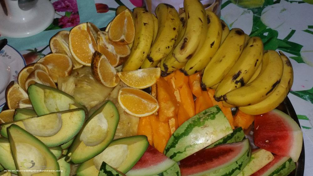 dinner-at-bishops-fruit-dessert-plate-1