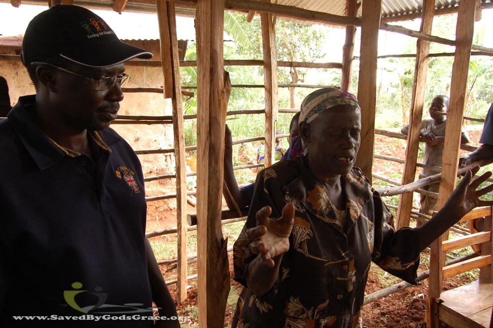 grandma-praying-at-new-construction